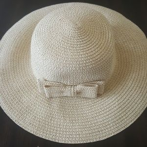 Janie and jack 12 24 M gold accent sun hat